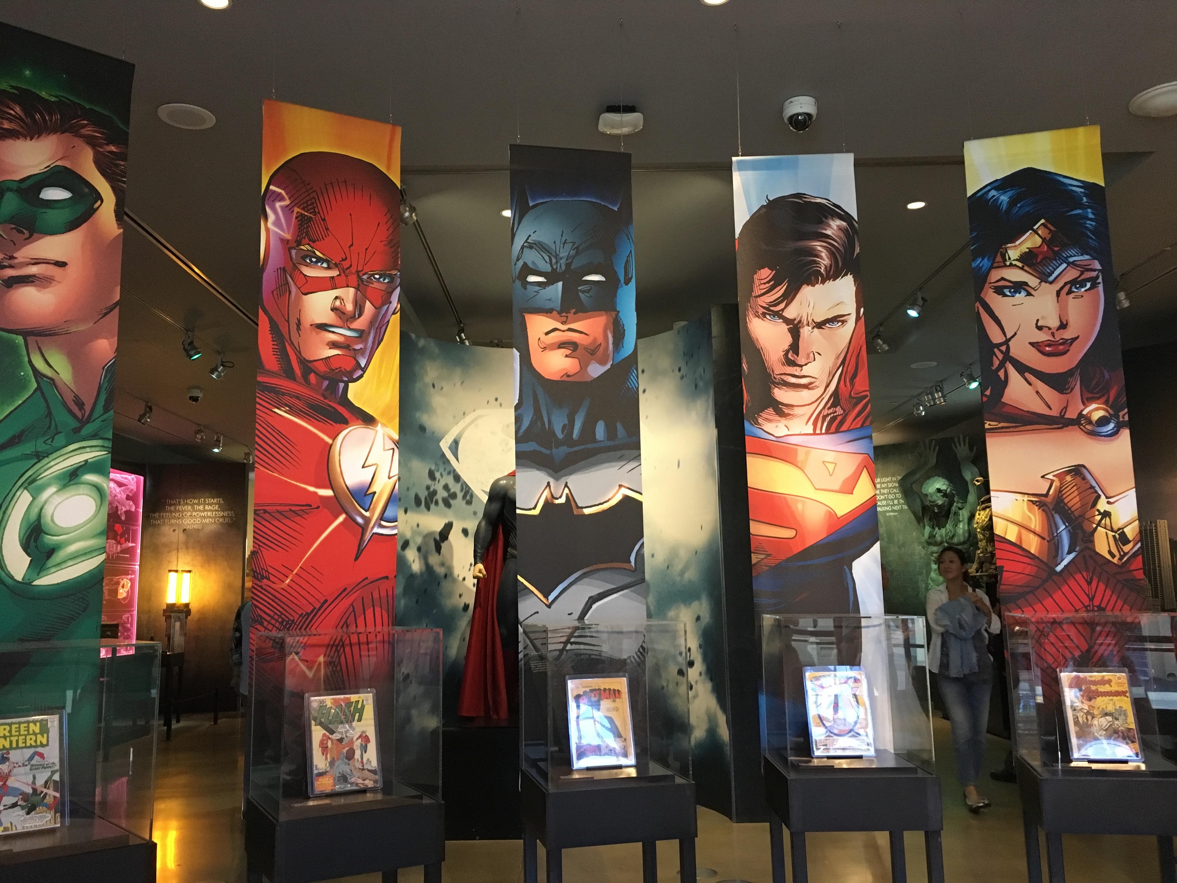 コミックの展示も沢山あります。